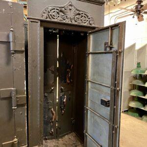 Vaults & Safes